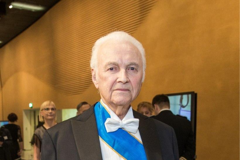 ÕL VIDEO | Arnold Rüütel saabus EV 100 sünnipäevapeole ilma Ingridita: kaasa kahjuks haigestus