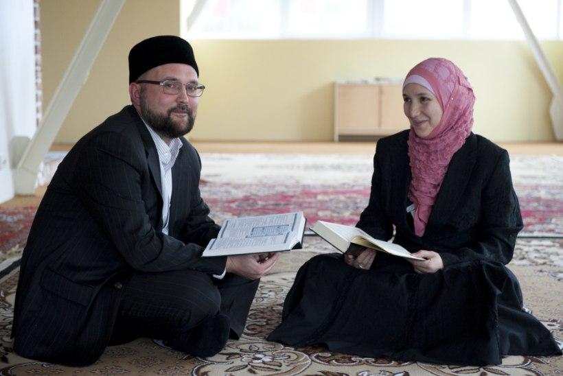 Uus ämma kapp? Politsei uuris, kust sai islami peavaimulik 40 000 eurot