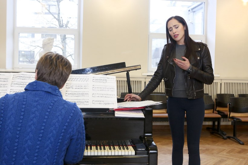 """Elina Nechayeva avaldab oma imelise hääle saladuse: """"Uni on väga oluline, sest unes puhkavad ka häälepaelad."""""""