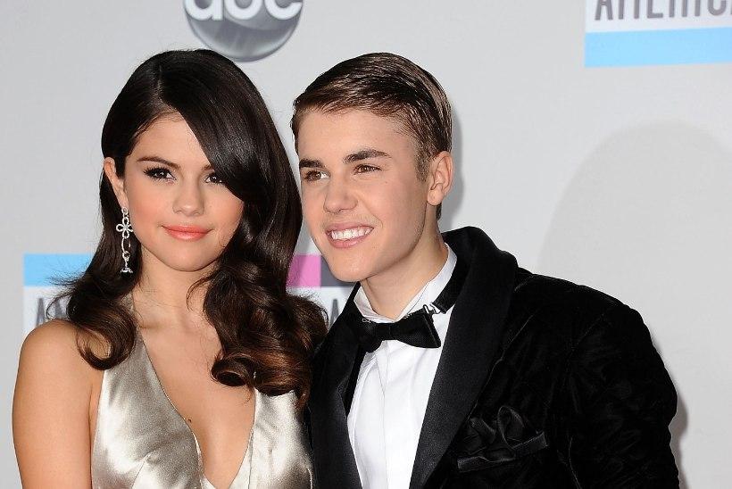 Selena Gomez vaevleb vaatamata Justin Bieberi seltsile depressiooni ja ärevuse käes