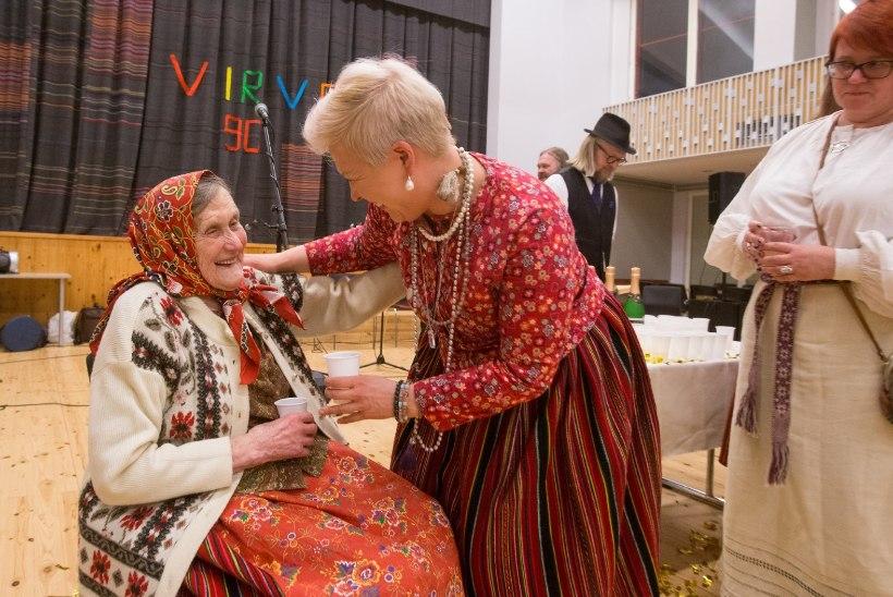 TV3 VIDEO | Kihnu Virve juubelipeol osalenud Evelin Ilves: räägime temaga kõigest, ka meestest