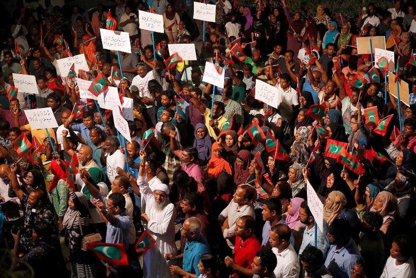 Maldiividel tungis politsei ülemkohtu ruumidesse