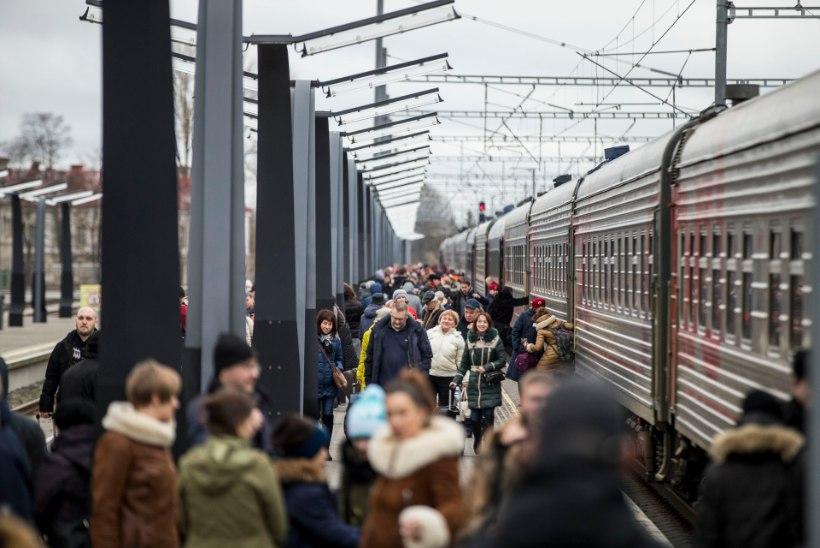 GRAAFIK | Eestit külastavate Vene turistide arv suurenes, Soome oma vähenes