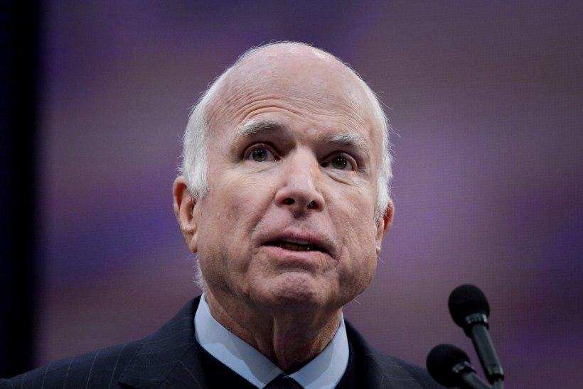 John McCain soovitab ameeriklastel Kersti Kaljulaidi artiklit lugeda