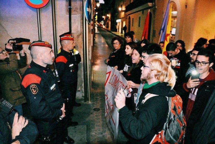 Massiturismi vastu protestijad, keda peeti ekslikult terroristideks, võivad saada karistada