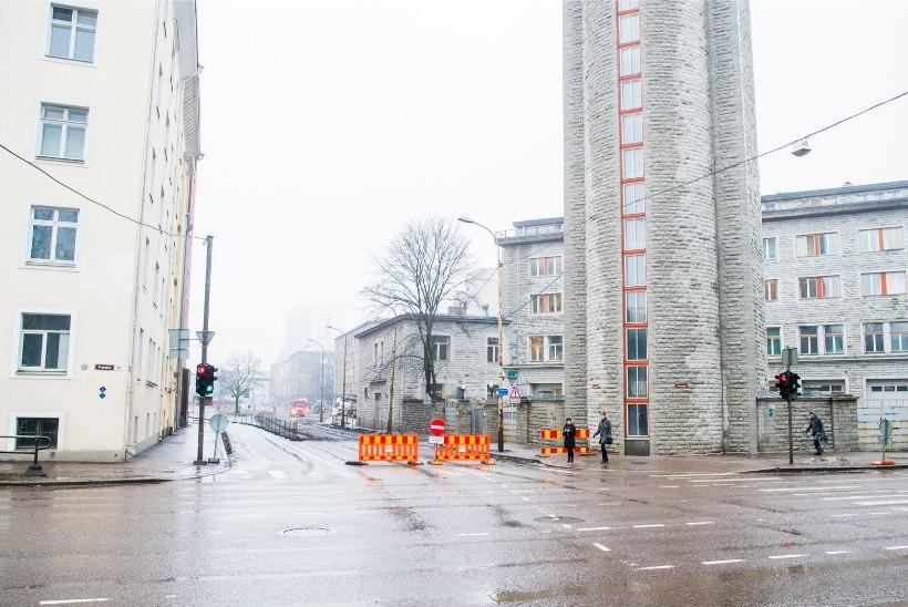 ÕL VIDEO JA FOTOD | Gonsiori tänava remondi tõttu peab hommikul ummikus passima
