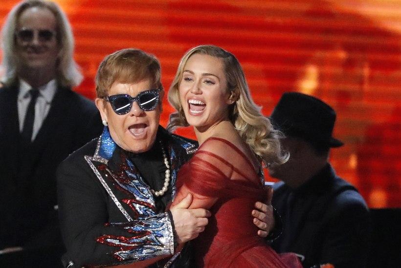 Superstaarid salvestasid plaadi Elton Johni hittidega