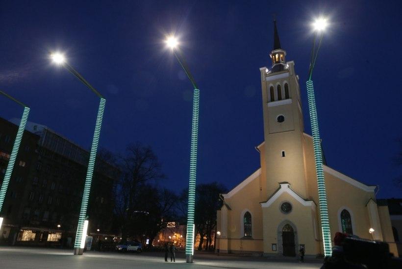 GALERII    Püha Patricku päeva eelõhtul värvus Tallinn roheliseks