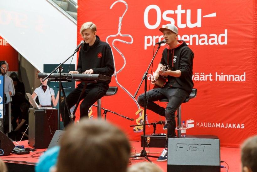 GALERII | Noortele moehuvilistele jagasid Pärnus nõu nõid Alisa ja Ženja Fokin