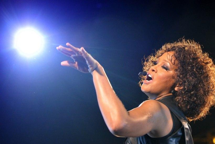 Eksabikaasa: Whitney Houston ei surnud narkootikumide tõttu