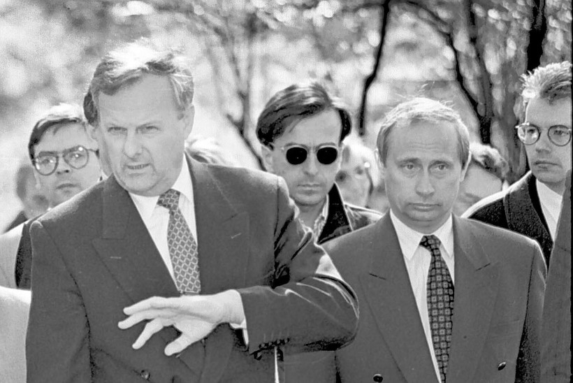 VENE AJALOOLANE: Vladimir Putin oli Anatoli Sobtšaki tapmise taga