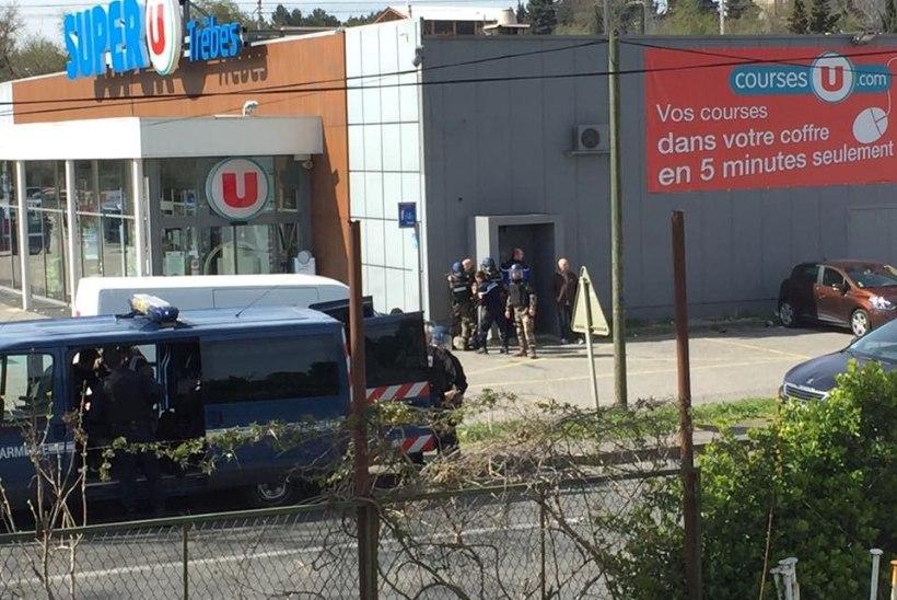 Prantsusmaal asuvas supermarketis võttis relvastatud mees pantvange, kolm inimest hukkus