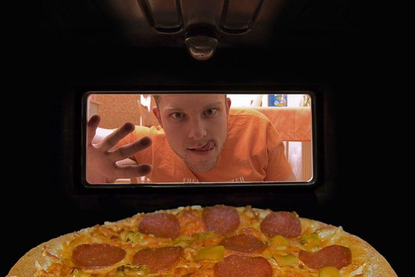 """Murdsin just sisse ja sõin pitsat. Olen Jeesus!"""