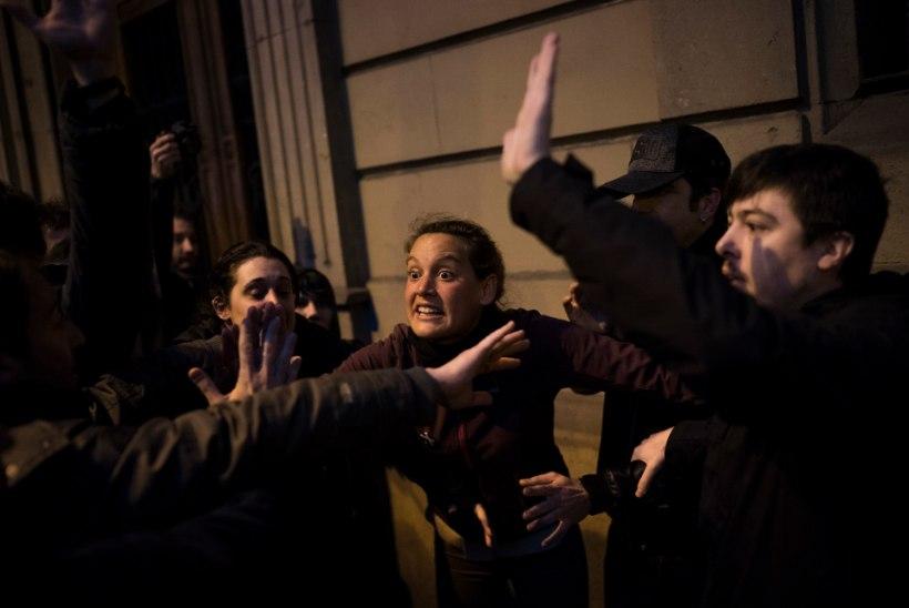 GALERII | Puigdemonti vahistamine tõi Kataloonia tänavaile protestijad, viga on saanud 89 inimest