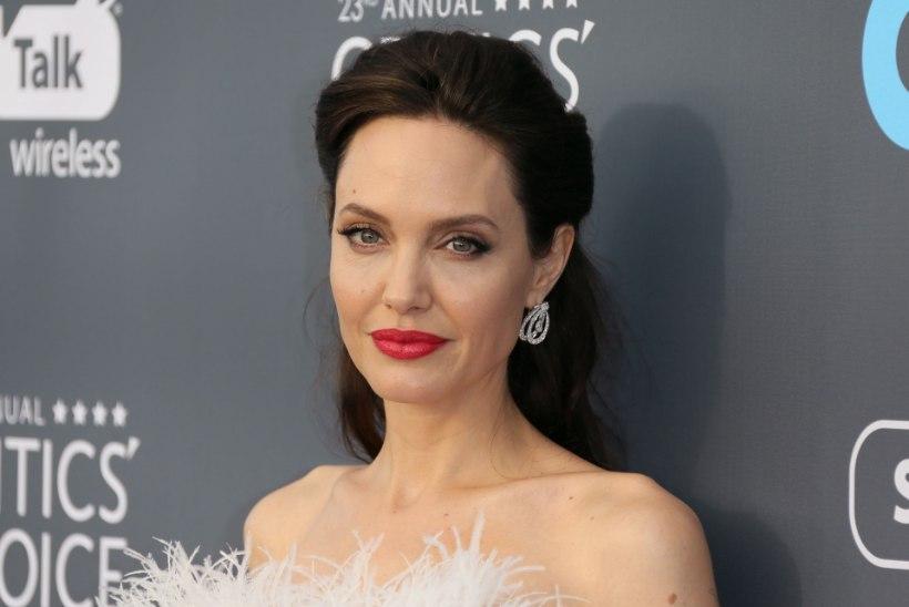 KEVAD SÜDAMES: Angelina Jolie ellu on saabunud uus mees!