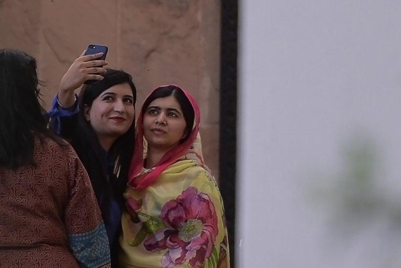FOTOD | Nobeli rahupreemia võitnud Malala naasis linna, kus teda näkku tulistati
