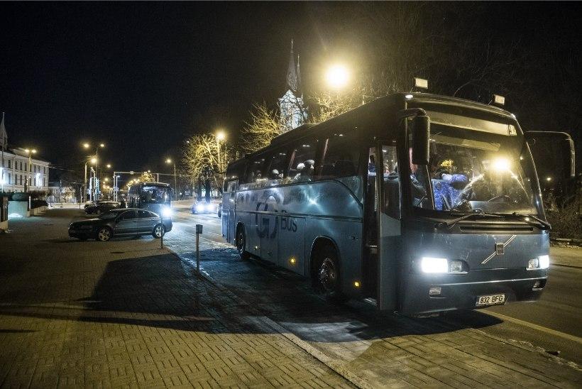 ÕL VIDEO JA FOTOD | Bussitäied eestlasi sõitsid Soome pandasid vaatama