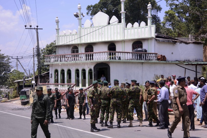 GALERII | Sri Lankal kuulutati välja eriolukord, saarel viibib 45 eestlast