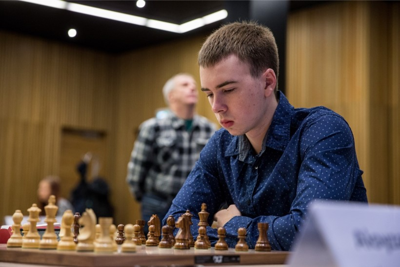 Ottomar Ladva superpartii Norra suurmeistri vastu aitas Eesti maailmaliigas play-off'i