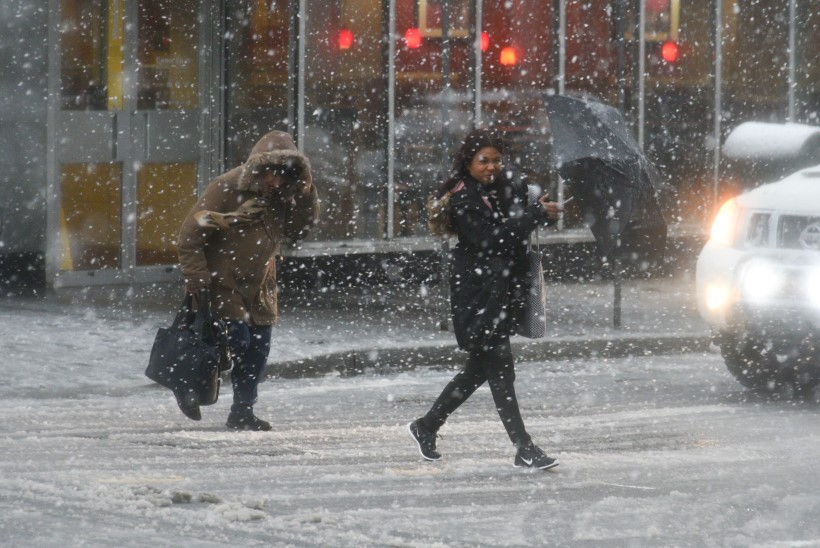 FOTOD | New Yorki tabas lumetorm