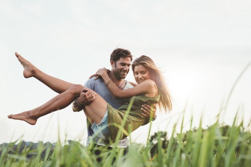 PERETERAPEUT: naised tahavad olla meestega võrdsed ja samas endiselt neile alt üles vaadata