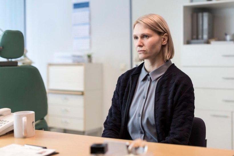 """Algasid mängufilmi """"Sandra saab tööd"""" võtted, kus teeb kaasa Eesti näitlejate koorekiht"""