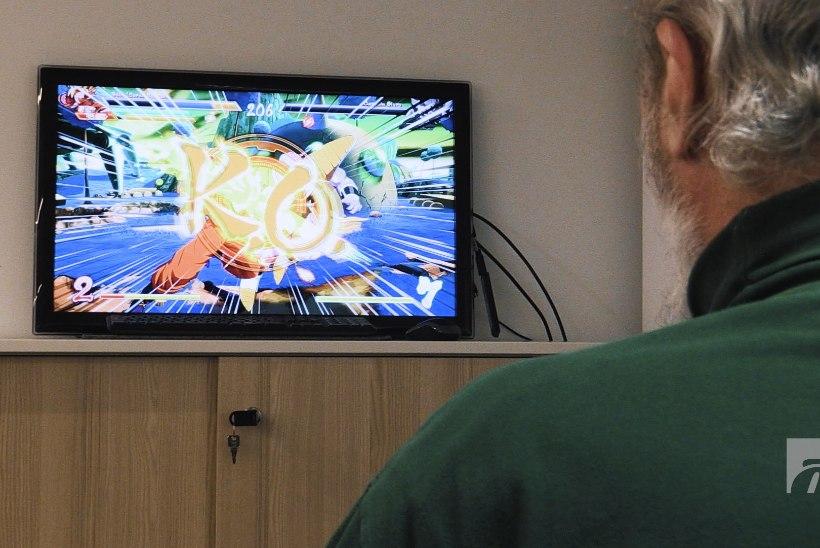 ÕL VIDEOEKSPERIMENT | Kes jääb peale – halli habemega vanaisa või kiiretempoline videomäng?