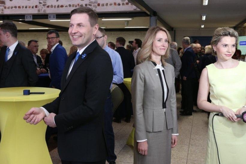 ÕL VIDEO JA GALERII | Reformierakonna üldkogu: sõbralikud naeratajad, kellel rusikas taskus?