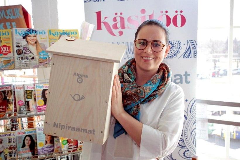 PILDID JA VIDEO | Kati Toots kaupleb Tallinna Käsitöömessil kaunite puidust postkastidega