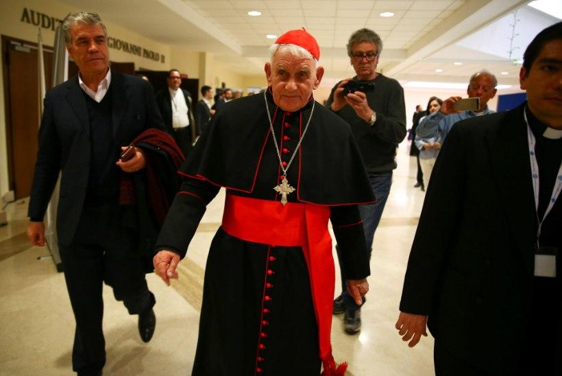 MOODSAD AJAD: katoliku preestrid ajavad vaime telefonitsi välja