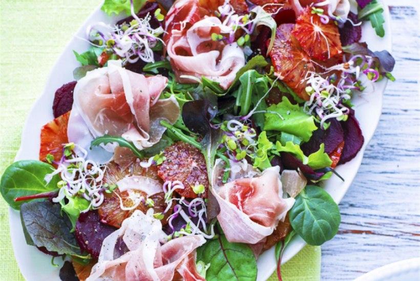 Salat punase apelsini, peedi ja Parma singiga