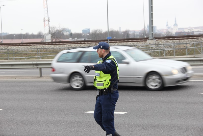 Algasid kiiruseületajatele keskenduvad liiklustalgud: auto kimas 50 km/h alas 128ga!