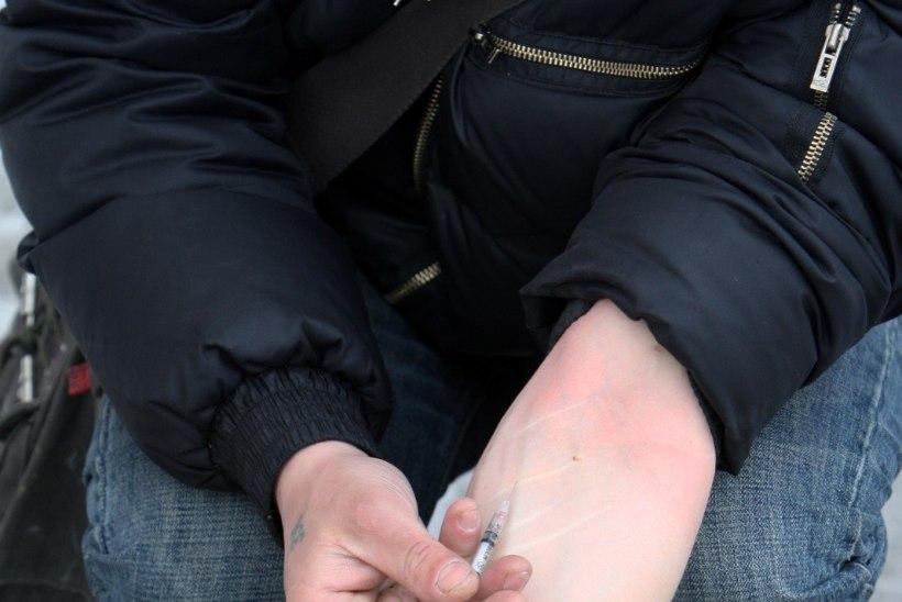 GRAAFIK | Eelmisel aastal suri narkootikumide üledoosi tõttu 110 Eesti elanikku