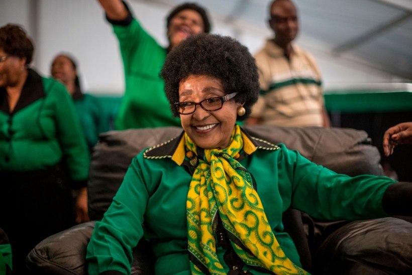 Suri Lõuna-Aafrika endine esileedi Winnie Mandela