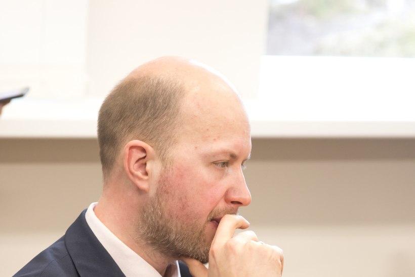 Ossinovski külaskäik ei toonud sünnitusosakondade sasipuntrasse lahendust