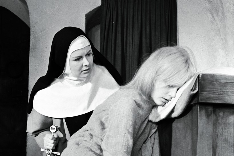 """Filmidiiva Eve Kivi: """"Eestis öeldakse, et minu filmikarjääri pikkus ongi vaid kolm minutit nunn Ursulat """"Viimses reliikvias"""""""""""