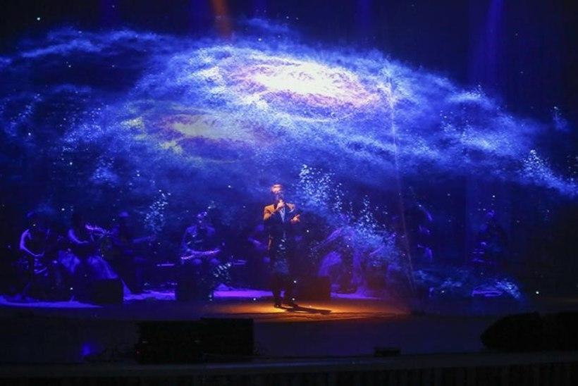 """Eestis etendub esmakordselt ainulaadne multimeediasõu """"Classics in the Dark"""", kus kontserdisaal muutub avakosmoseks"""