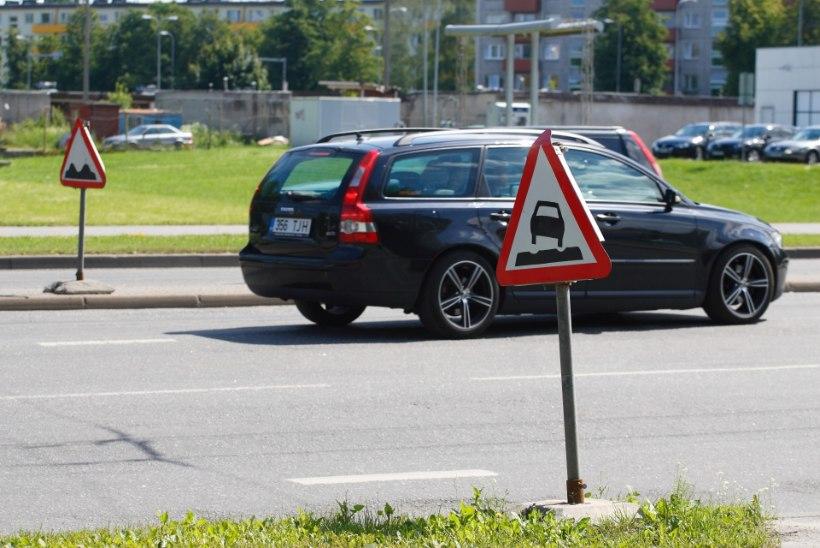 Autosõidu ABC: mida teha, kui satud autorattaga tabama löökauku?