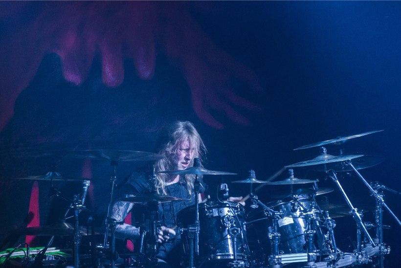 GALERII   Metsatöll andis klubis Factory uue trummariga võimsa kontserdi
