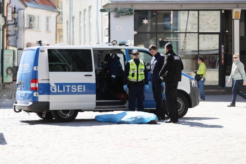 FOTOD | Viru tänaval suri terviserikke tõttu mees