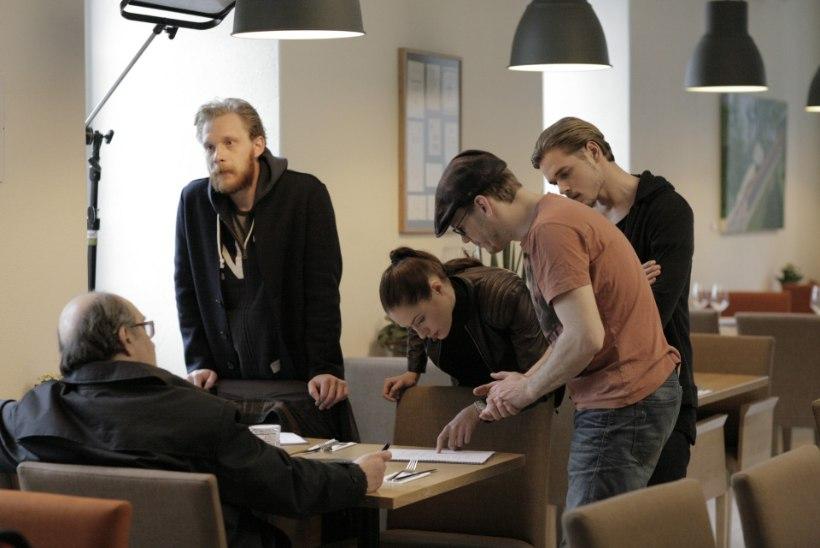 """Täna jõuab teleekraanile verivärske sari """"Lõks"""" Ingrid Marguse ja Pääru Ojaga"""