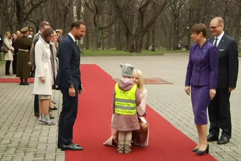 TV3 VIDEO | SUURE UNISTUSE TÄITUMINE: pisike printsess kohtus päris printsessiga