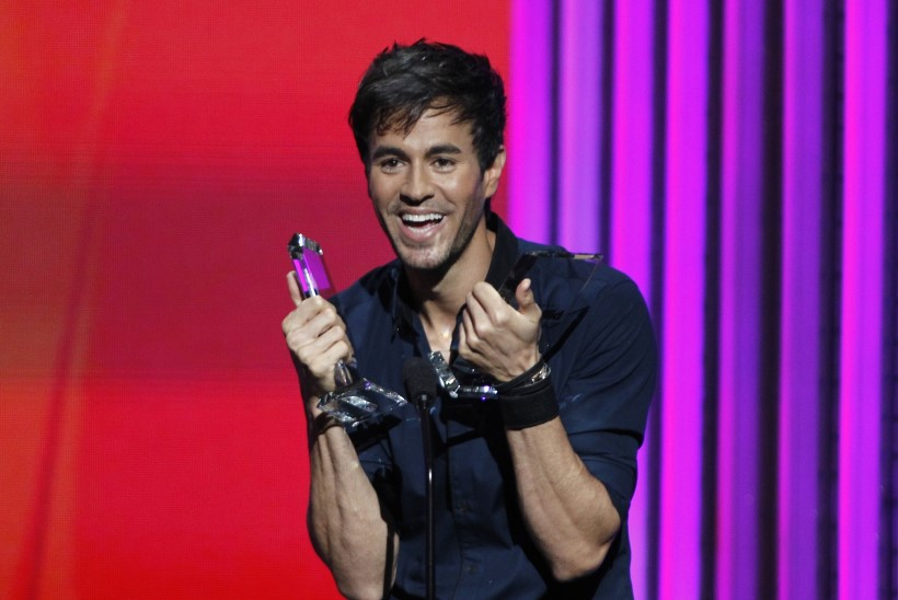 Enrique Iglesias jagas nunnut klõpsu oma kaksikutest
