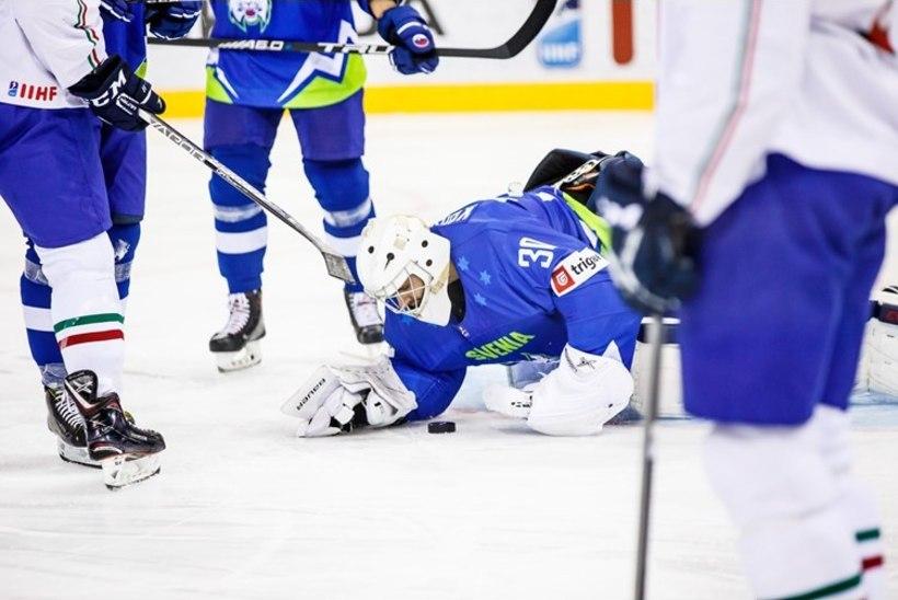 VIDEO | 6 vs 6! Sloveenia ja Itaalia otsustasid MMil väravavahtideta hokit mängida