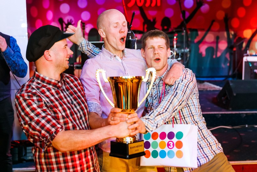 Publik hääletas parimaks rahvabändiks Nedsaja Küla Bändi