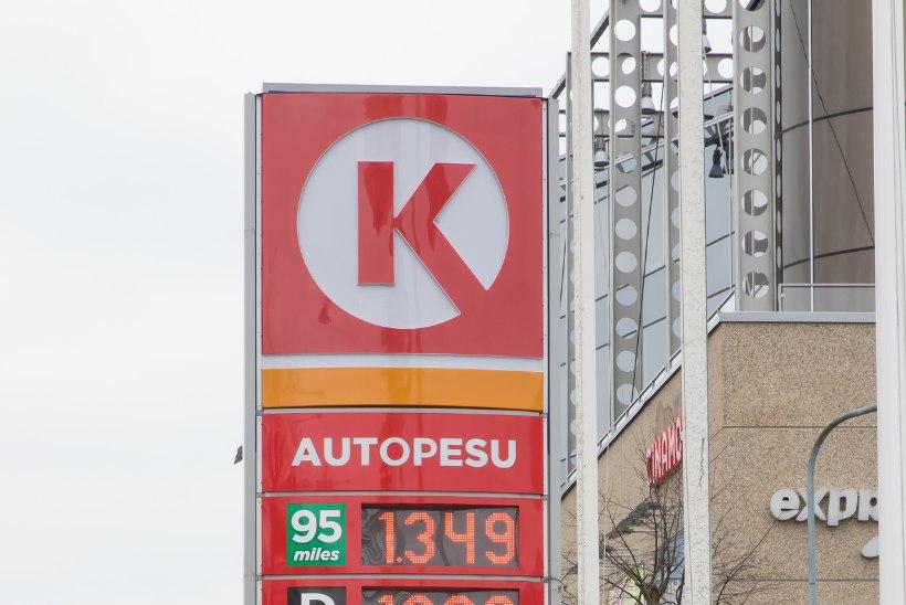Eesti veoautojuhid ostavad kütuse Lätist