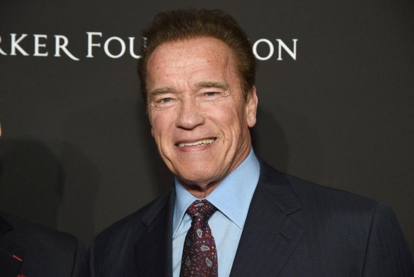 Raske südamelõikuse läbinud Schwarzenegger säutsub haiglavoodist