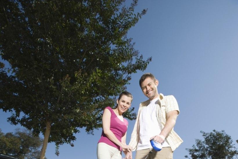 HEA PÕHJUS KINKIDA KOERALE KODU: neljajalgse sõbraga õues jalutamine tugevdab südame tervist