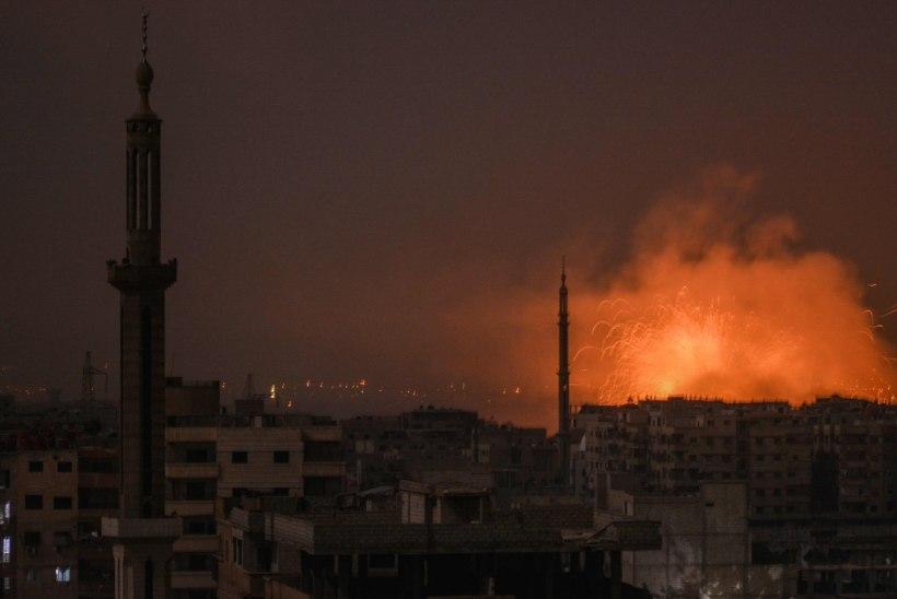 Süürias korraldati mitu raketirünnakut, hukkus kümneid võitlejaid