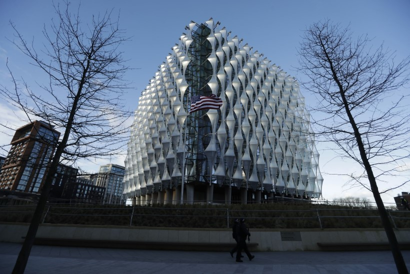 Trump Inglismaal asuvast USA saatkonnahoonest: selle asukoht on kohutavalt vilets